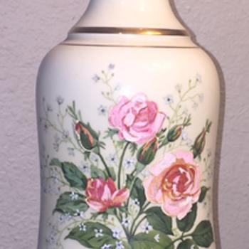 Hand painted roses on porcelain table lamp - Lamps
