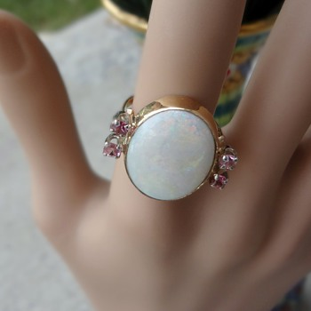 Beautiful opal and pink saphire ring!! HUGE!! 10k - Fine Jewelry