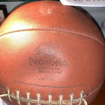 NOKONA BASKETBALL VARSITY MODEL  - Basketball