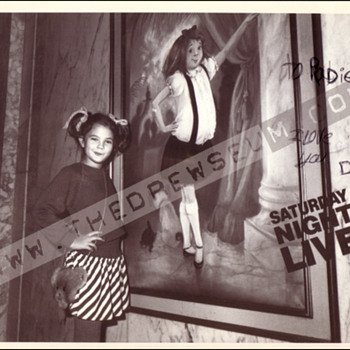 Drew Barrymore 1983 autographed SNL photo - Movies