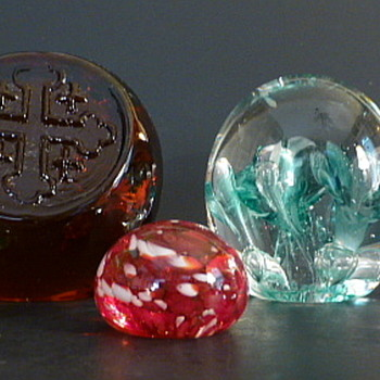 A plethora of paperweights - Art Glass