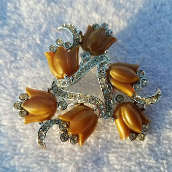 Vintage Caramel Tulip Floral Spray Pin/Brooch - one of my favorites!