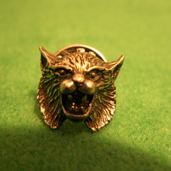 Vintage Bobcat Mascot Lapel Pin ~ Marked:  © '82  7.44  - Medals Pins and Badges