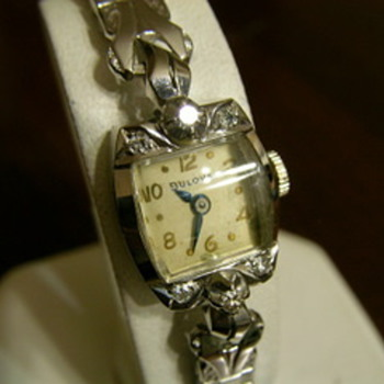Antique womens watch 14k gold & diamond BULOVA 23 jewels - Wristwatches