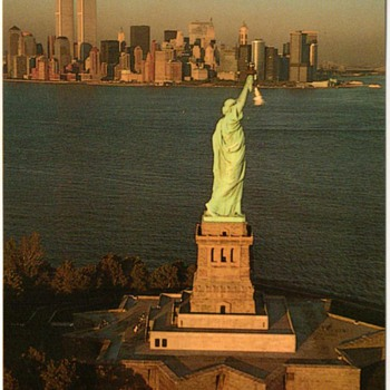 1992 - New York City Postcard - Statue of Liberty - Postcards