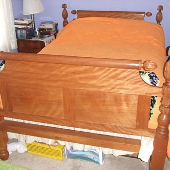 1830s American Pineapple post Bed - Furniture