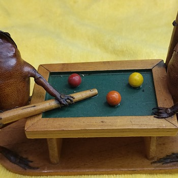 Frogs Playing Pool Anthropomorphic Taxidermy - Animals