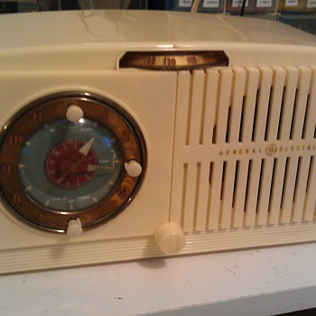 1950's GE 506 Clock Radio