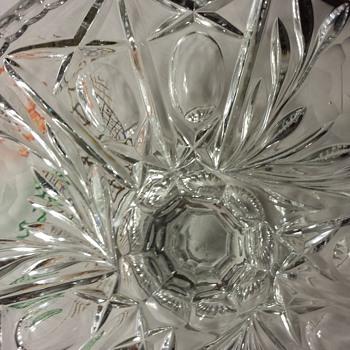 Beautiful Pedestal Cake Stand - Glassware