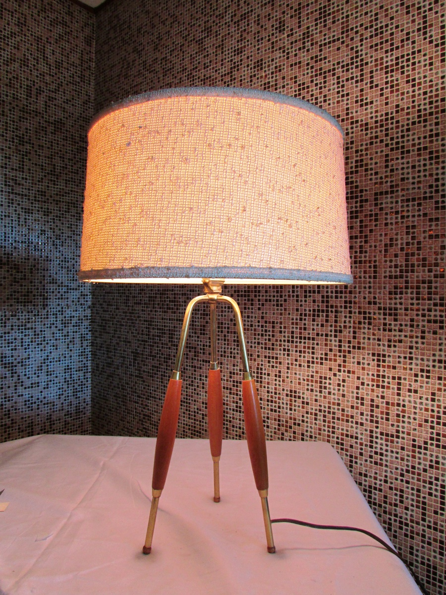 Gerald Thurston Tripod Table Lamp | Collectors Weekly