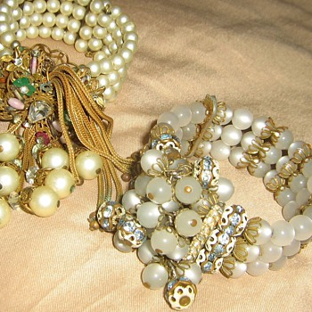 1950's bead memory cuff bracelets - Costume Jewelry
