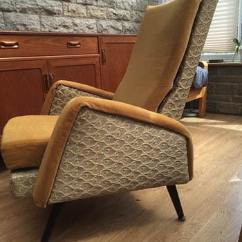 Black enameled metal frame lounge chair? - Mid-Century Modern