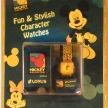 Mickey MOP Gold Link Silhouette Band Lorus Bracelet RRS70AX - Wristwatches