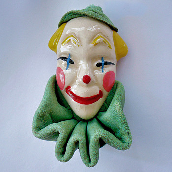 My 4th addition... Vintage ELZAC Clown Brooch Pin - Costume Jewelry