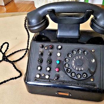 Identification Help On German Rotary Telephone - Telephones