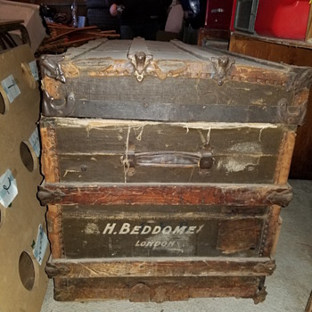 Old Steamer trunk found  - Furniture