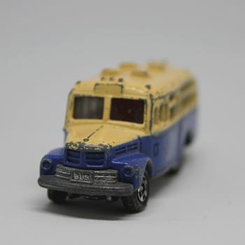 Isuzu Bonnet Bus, Tomica nº 6 - Model Cars