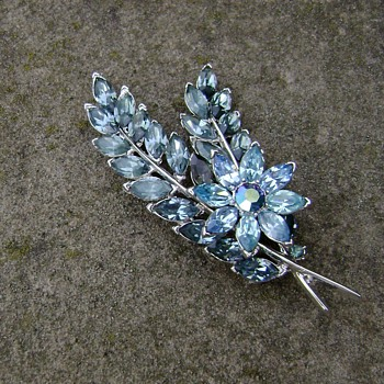 Vintage Trifari Flower and Leaves Brooch - Costume Jewelry