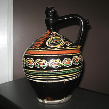 Pottery of unknown origin - Pottery