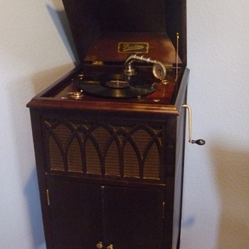 Puritone Phonograph