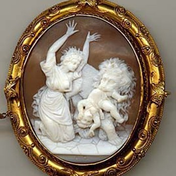 Rare cameo of lion stealing a nursing baby - Victorian Era