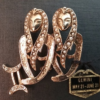 Gemini Egyptian twins brooch  - Costume Jewelry
