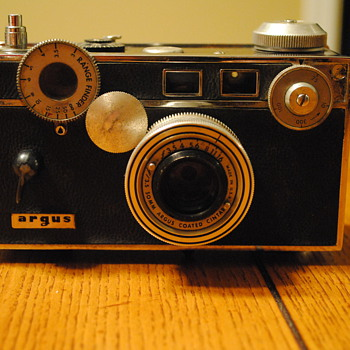 1939 Argus C3 - Cameras