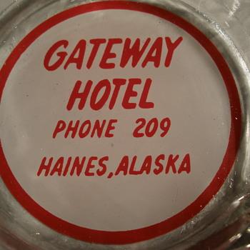 Gateway Hotel ashtray - Tobacciana