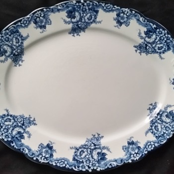 blue and white plate - China and Dinnerware