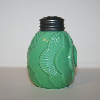 A Step Away From the Usual, Collecting Odd Colored Victorian Shakers