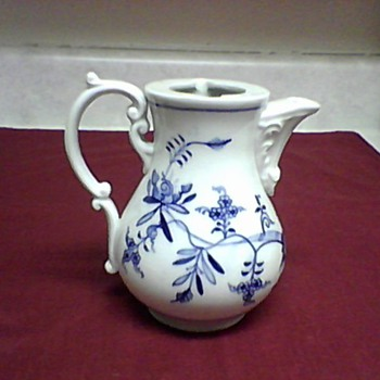 MEISSEN  TEA POT - China and Dinnerware