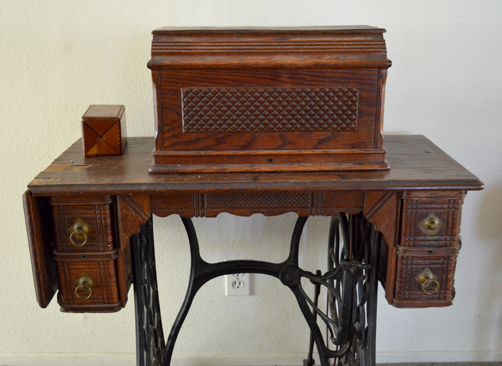 My Circa 40 Singer Treadle Sewing Machine Collectors Weekly Extraordinary Sewing Machine Treadle Base