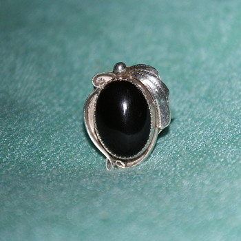 Vintage Sterling Ring with Onyx – Possibly Native American? - Fine Jewelry