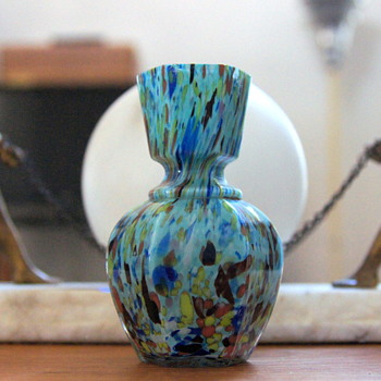 "Welz ""Harlequin Spatter"" - A Very Distinctive Décor on an Equally Distinctive Shape. - Art Glass"