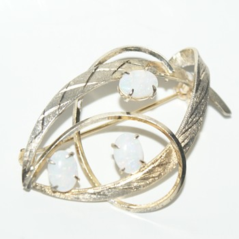 Sterling Brooch with Three Opals (?) - Fine Jewelry