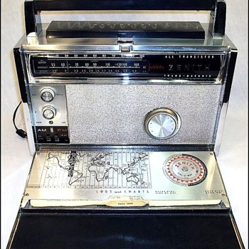 1963 Zenith Model 3000 Transoceanic Portable Radio