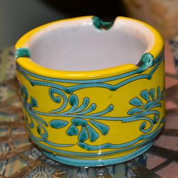 Ashtray - Italy? - Pottery