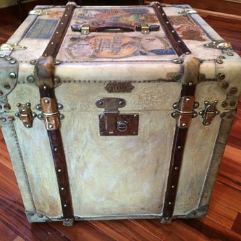 French (Cube) Trunk marked Malle Elyse'e  Early 1900s to 1910s  - Furniture