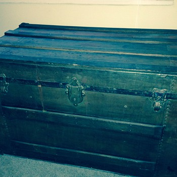 Help identify my trunk? - Furniture