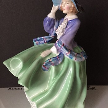 'Top of the Hill' Royal Doulton Figurine - Figurines