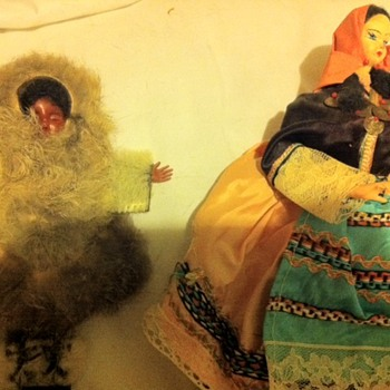 """Does anybody know about these 20th century looking, """"ethnic"""" dolls? - Dolls"""