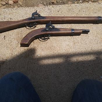 Parris Kadet Civil War Musket and Pistol