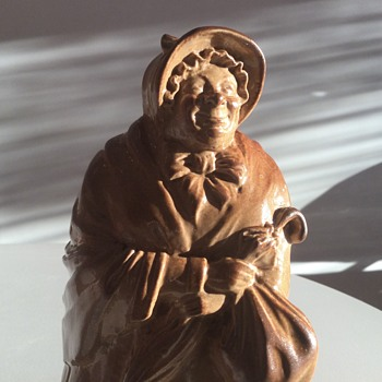 SAIRIE GAMP - DOULTON LAMBETH - H18 - Figurines