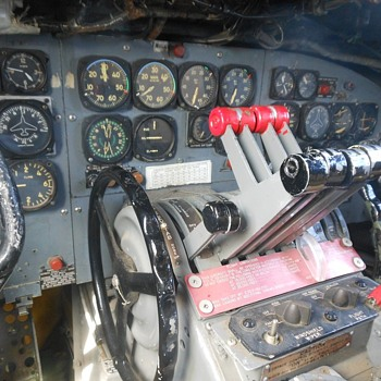 Inside An EC-121 Constellation at Yanks Air Museum - Military and Wartime