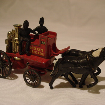 1905 Shand Mason Horse Drawn Fire Engine - Lesney Matchbox - Model Cars