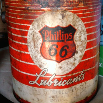 DAD'S GALLON CANS - Petroliana