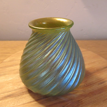 Loetz ribbed vase in Mercur decor, unknown PN - Art Glass