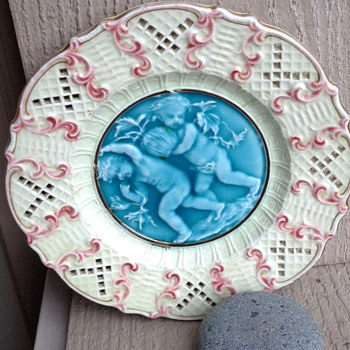 Who Might have made this Majolica Plate? - Pottery
