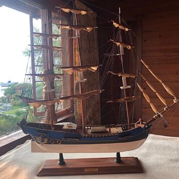 model ships & boats - Toys
