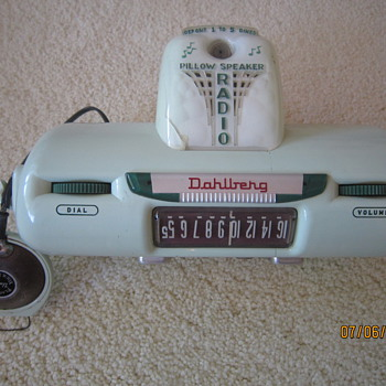1955 Dahlberg Coin Operated Hospital Hotel Motorama Pillow Speaker Jadeite Green Tube Radio Model No. 4130-D1 - Radios